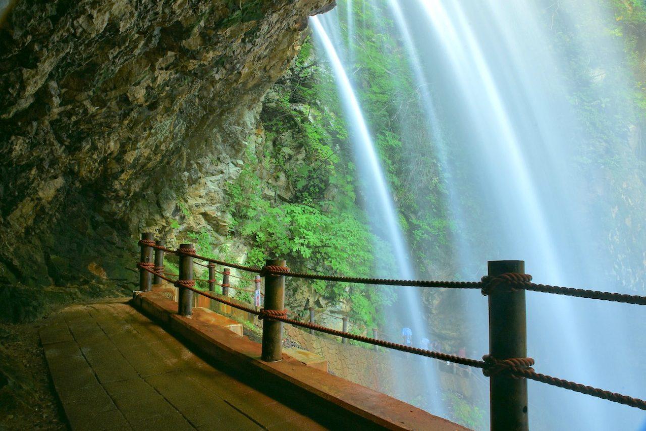 高山村の雷滝