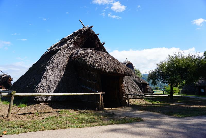 科野の里歴史公園 堅穴式住居