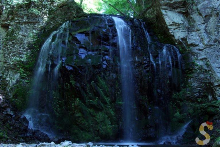 長和町の不動滝